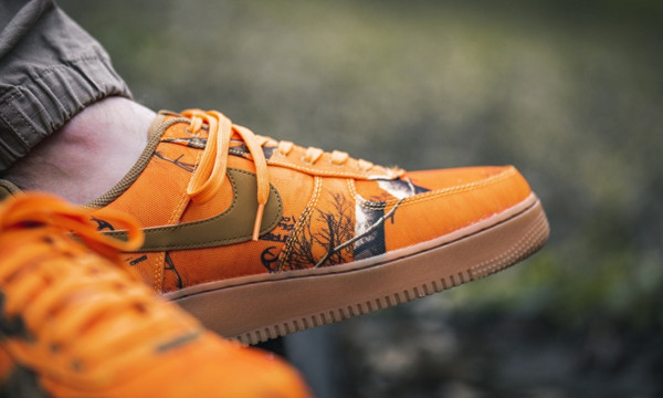 nike-x-realtree-air-force-1-07-lv8-3-camo-pack-orange-ao2441-800-mood-2